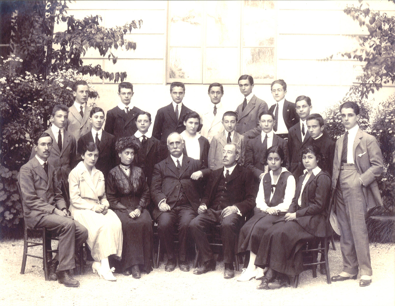 1913   f