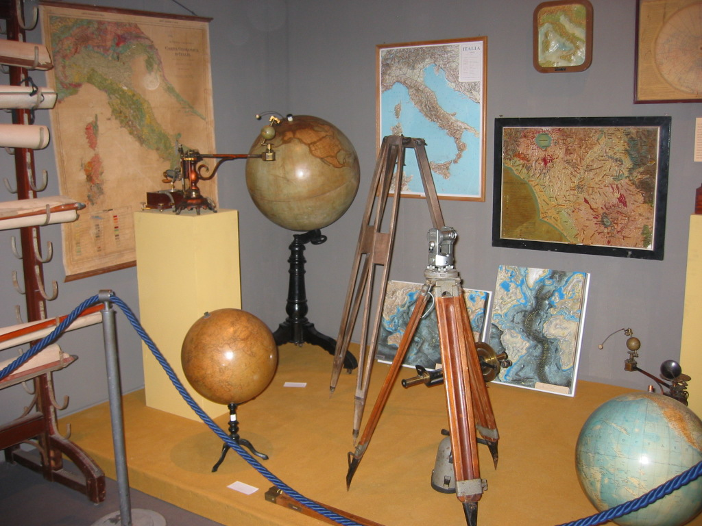 2006-5-12 Mostra 'Dagli archivi delle scuole romane'  (5)